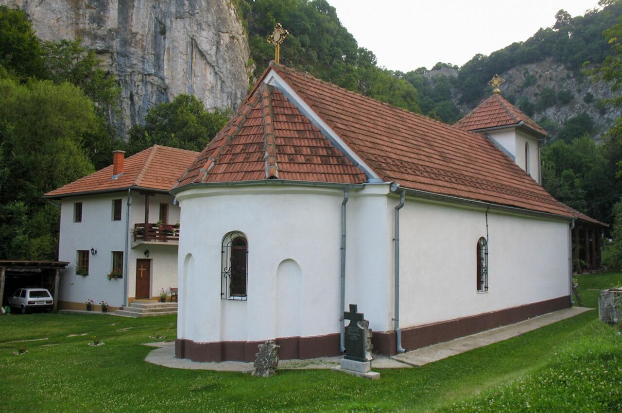 Manastir_Vratna2